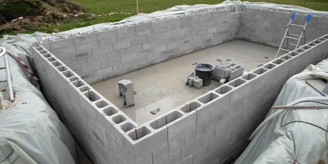 montage piscine creusee