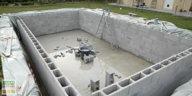 Comment construire une piscine creus e ma onn e for Construction piscine creusee
