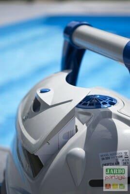 Que vaut le robot de piscine top access jardipartage for Nettoyage filtre piscine