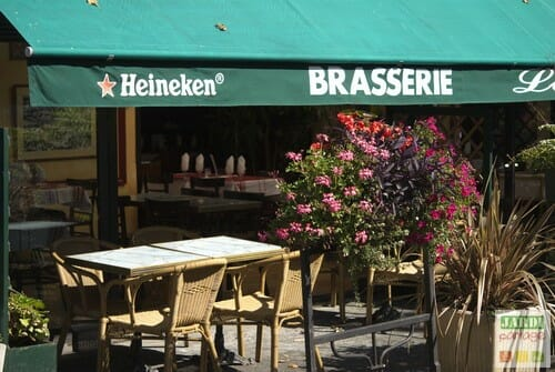 terrasse brasserie fleurie